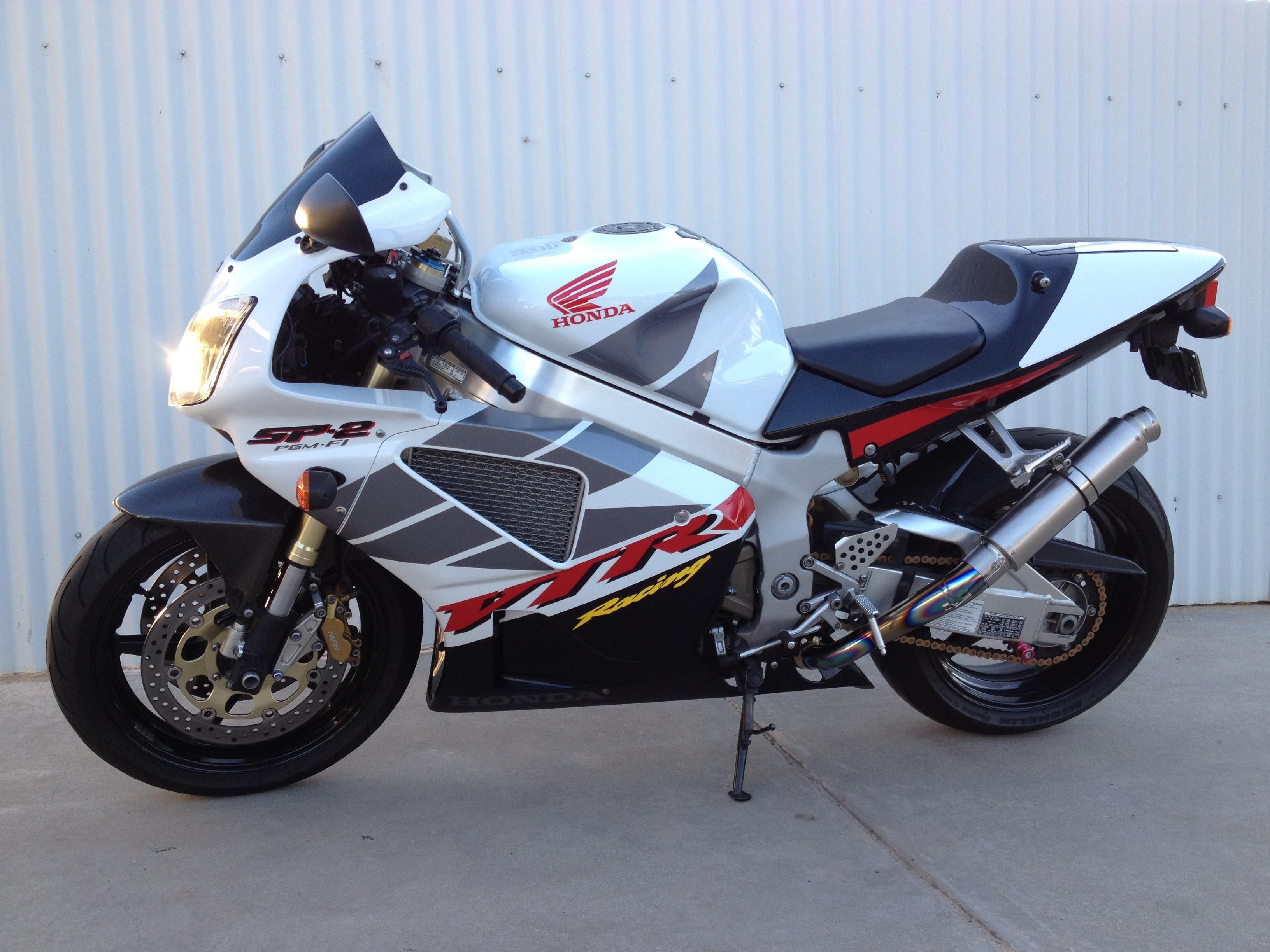 HONDA VTR1000 SP-2 (2002): Чемпион