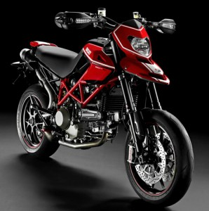 DUCATI HYPERMOTARD 1100S (2009): Острое ощущение