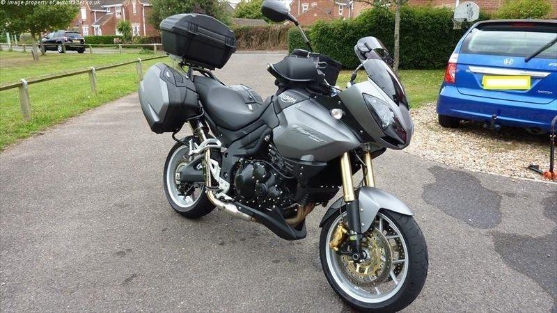 Великобритания: мотоциклист оставил мотоцикл с ключами, послушав страховую компанию / Мотоновости / БайкПост