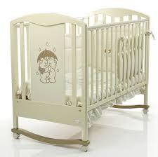 На что обратить внимание при покупке кроватки в детскую